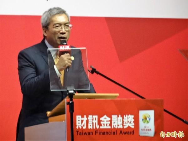 財信傳媒董事長謝金河批評,由於台灣對本國人課重稅,對外國人課輕稅,已經造成台灣金融帳26季淨流出,金額高達9.2兆台幣。(資料照,記者王孟倫攝)