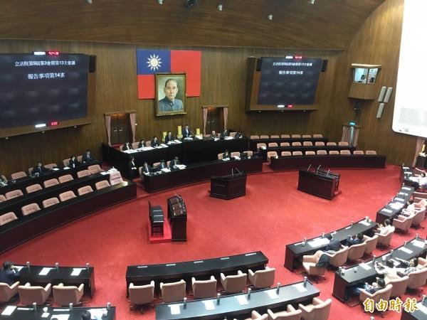 立法院院會今日僅開五分鐘,隨即又因杯葛宣布休息。(記者鄭鴻達攝)