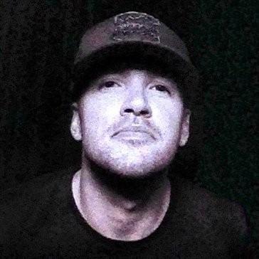 德州一名男子布蘭登(Brandon Vezmar)向法院請願,要求約會女子賠償《星際異攻隊2》的電影票錢。(圖擷自twitter)