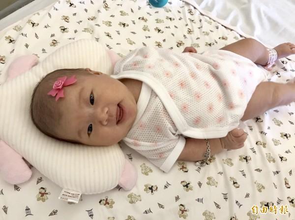 根據內政部統計,2016年國內嬰兒出生數計20.8萬人,較2015年減少2.6%,其中女嬰10萬人(占48.2%),低於男嬰10.8萬人,性比例為107.6。(資料照,記者林彥彤攝)