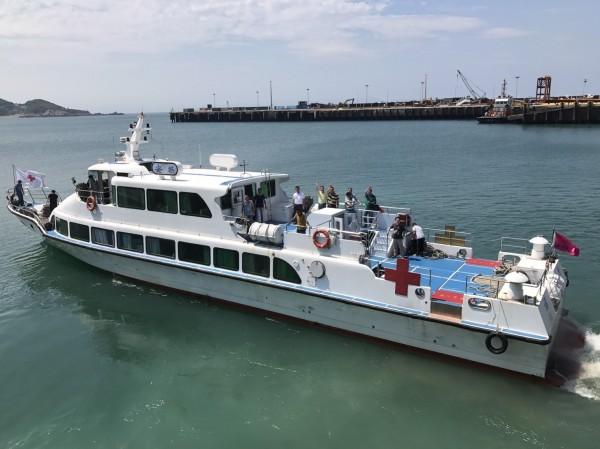 金門協議遣返作業專船「安麒輪」準備啟程返陸,船上運載本次遣返之中國偷渡犯。(記者劉慶侯翻攝)