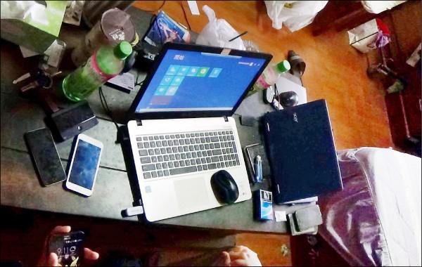 詐欺平台系統商1台筆電、桌子就能提供詐騙集團詐騙。(記者楊金城翻攝)