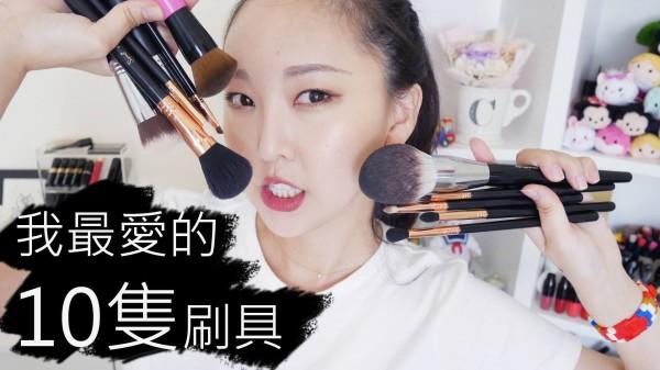 大數據網站統計出台灣人氣美妝Youtuber前10名,Hello Catie拿下第1名。(圖擷取自Hello Catie粉專)