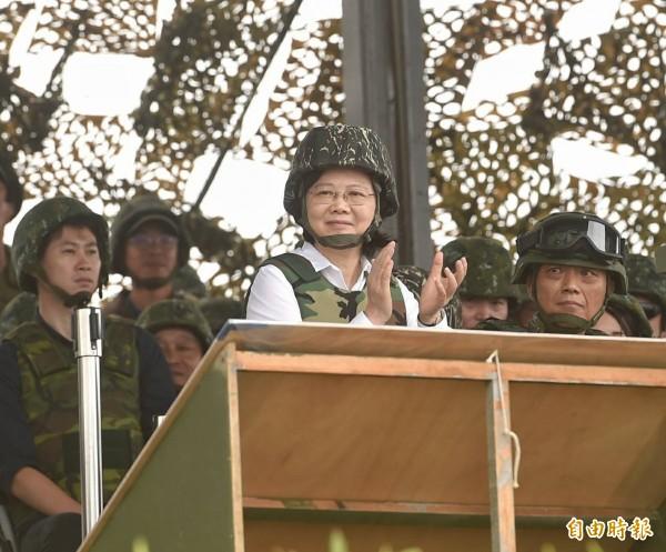 總統蔡英文稍早赴澎湖視導漢光33號演習實兵演練。(記者方賓照攝)