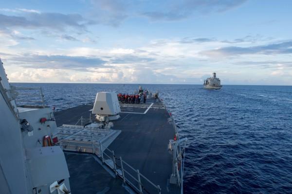 川普的首次南海執行「航行自由行動」,靠近中國人工島美濟礁12海里範圍,引發中國不滿。(路透)
