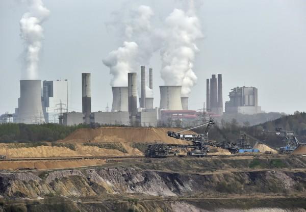 2100年受全球暖化和都市熱島效應影響,一些城市的氣溫將會上升攝氏7度以上。(法新社)