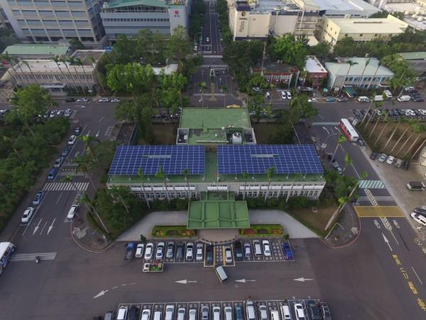 加工區公有建築屋頂,將全面設置太陽能。(加工區管理處提供)