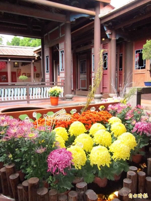 林本源園邸的亭臺樓閣,受到韓國旅客青睞。(資料照,記者何玉華攝)