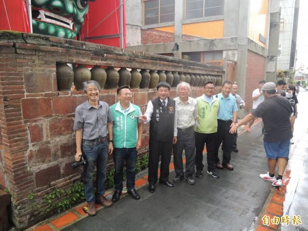 北港甕牆經地方爭取,文化處公告為歷史建物。(記者陳燦坤攝)