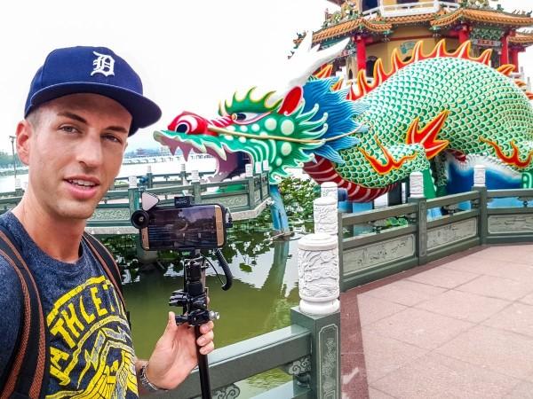 美國實況主CJayride現在居住在台北,他拍攝許多有關台灣好玩的事物。(圖擷取自推特)