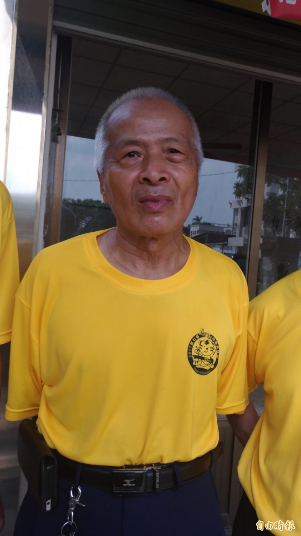 虎尾路跑協會理事長陳克昌今年71歲已參加過385場全馬馬拉松,自栩是「老馬」。(記者廖淑玲攝)
