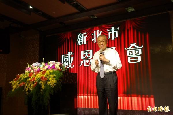 國民黨主席當選人吳敦義今晚到新北市新莊謝票。(記者葉冠妤攝)