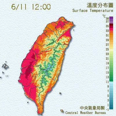 中央氣象局發布即時天氣訊息,嘉義地區已有36度高溫發生,提醒民眾注意防曬、多補充水分並預防中暑。(中央氣象局)