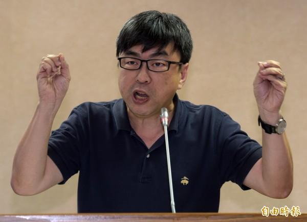 針對巴拿馬與台灣斷交,民進黨立委段宜康在臉書呼籲「換個名字交朋友」。(資料照,記者黃耀徵攝)