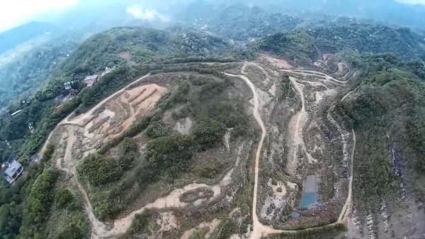 樹黨、新竹縣竹北市民代表許育綸考慮提報關西已停採的舊礦場,建請縣府文化局登陸為「文化景觀」。(資料照,記者黃美珠翻攝)
