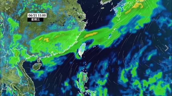 氣象達人彭啟明今指出,週三(21日)起太平洋高壓增強、鋒面位置向北移動,離台灣越來越遠,天氣型態將明顯轉為夏季天氣。(圖擷取自「氣象達人彭啟明」臉書粉專)