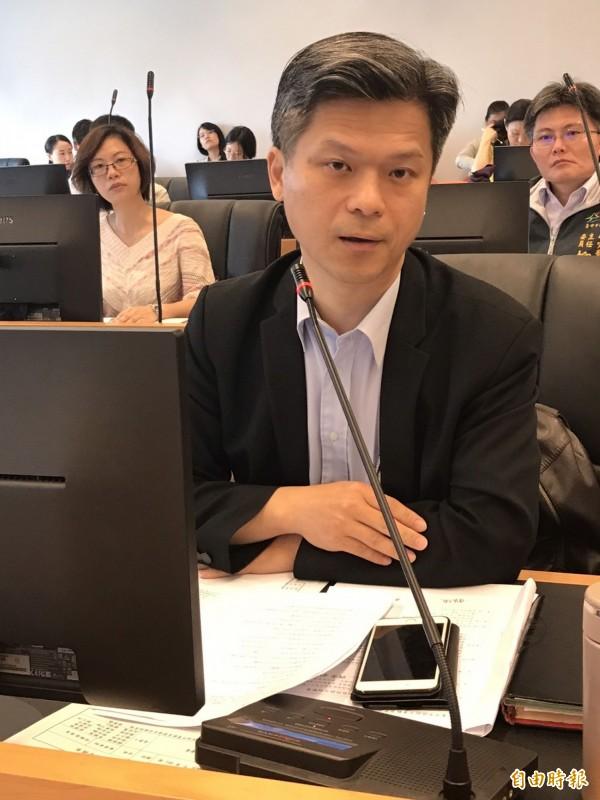 藍營議員要制定「性別平等自治條例」,教育局長彭富源(見圖)說,會牴觸中央法案。(記者黃鐘山攝)