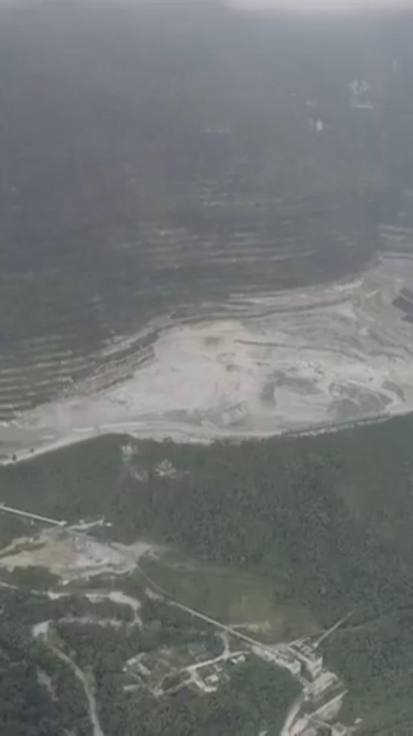 環團持續針對亞泥礦權展限表達抗議,圖為礦場。(地球公民基金會提供)