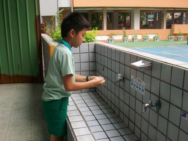 防治流感,勤洗手是不二法門。(新北市衛生局提供)