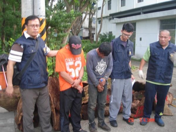 警方指出,51歲廖姓男子、50歲劉姓男子及譚姓嫌犯,都有多項前科。(記者許展溢翻攝)