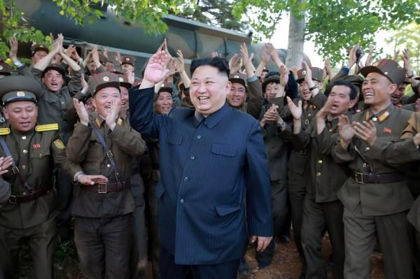 有外媒報導指出,南韓前總統朴槿惠曾在2015年密謀把北韓領導人金正恩拉下台,更提出暗殺手段且打算包裝成意外。(法新社)