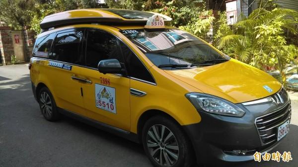 「高雄款公車式小黃」服務再升級,7月1日起推出夜間服務。(記者葛祐豪攝)