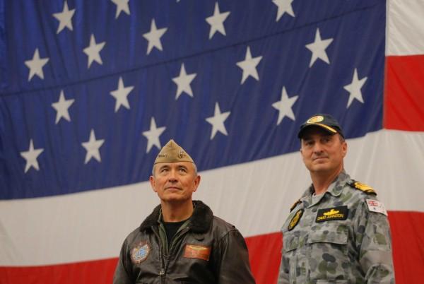 美軍太平洋司令哈里斯(左)警告,IS戰場將轉至亞洲。(法新社)