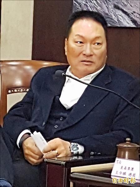 東森集電視創辦人王令麟。(資料照,記者鍾智凱攝)