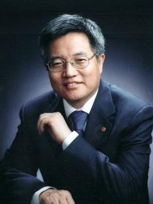 中國著名經濟學家張維迎日前在北京大學國家發展研究院畢業典禮上的演講,遭到下架。(圖擷取自北京大學國家發展研究院)