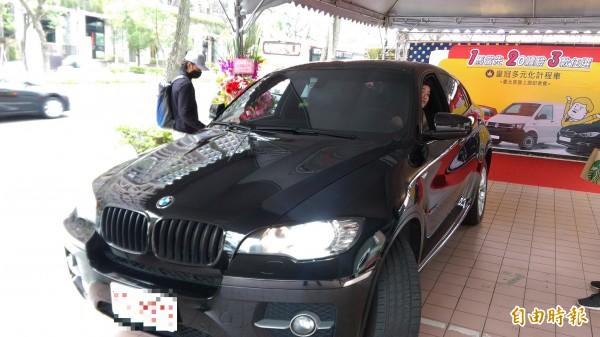 計程車相關公會向公路總局各監理所站檢舉56件Uber違規案件,公路總局6月29日前已開出41張罰單。(資料照,記者陳紜甄攝)