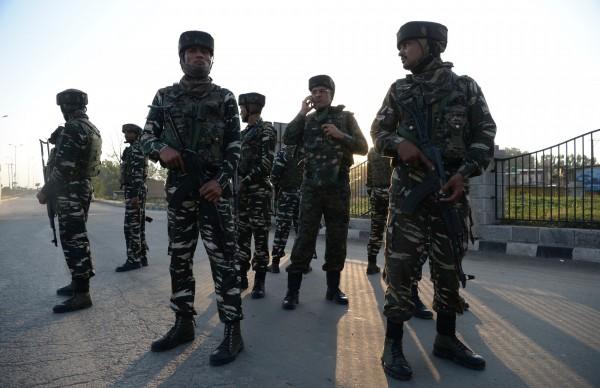 中印兩國發生嚴重邊境衝突,雙方皆增派軍力備戰。圖為印度軍隊示意圖。(法新社)
