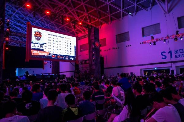《英雄聯盟》亞洲對抗賽,中國隊伍在昨日連輸台灣和南韓,1日之內拿到4連敗,讓中國網友紛紛崩潰,直說這根本是世界末日。(圖由「Garena 電子競技」臉書粉專提供)