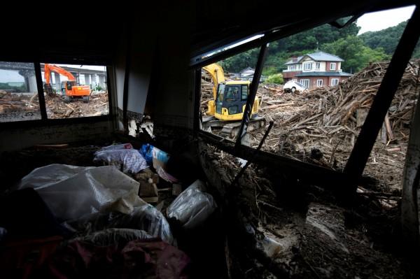 日本九州降下連日暴雨,福岡縣、大分縣受創嚴重。(路透)