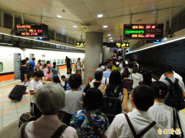高鐵航空聯票擴大優惠範圍,方便國人出國。(記者黃旭磊攝)