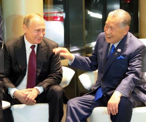 俄國總統普廷與日本前首相森喜朗會談。(翻攝自朝日新聞)