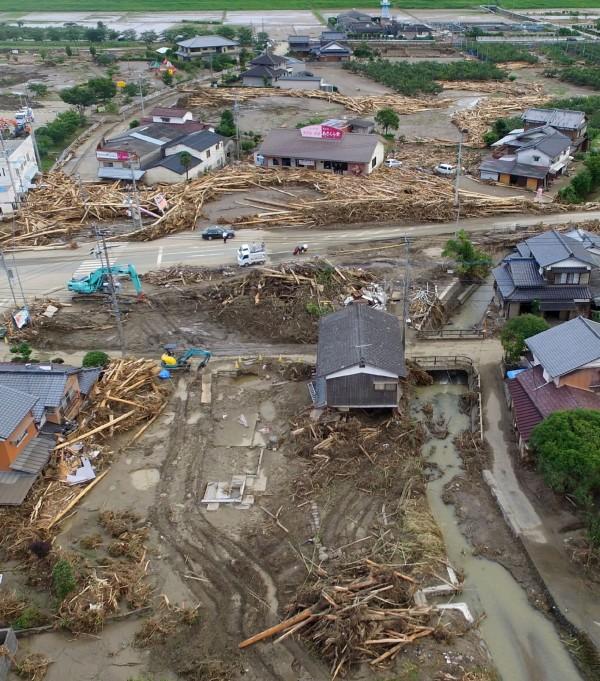 日本九州遭連日暴雨重創,災情慘重。(法新社)