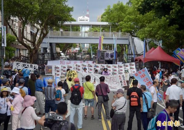反年改團體嗆聲對蔡英文總統如影隨形。(資料照,記者黃耀徵攝)