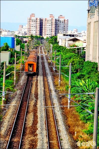 斗六市中心被鐵道貫穿成南北二區,發展失衡。(記者詹士弘攝)