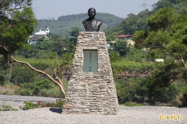 鳥居信平銅像今揭幕。(記者陳彥廷攝)
