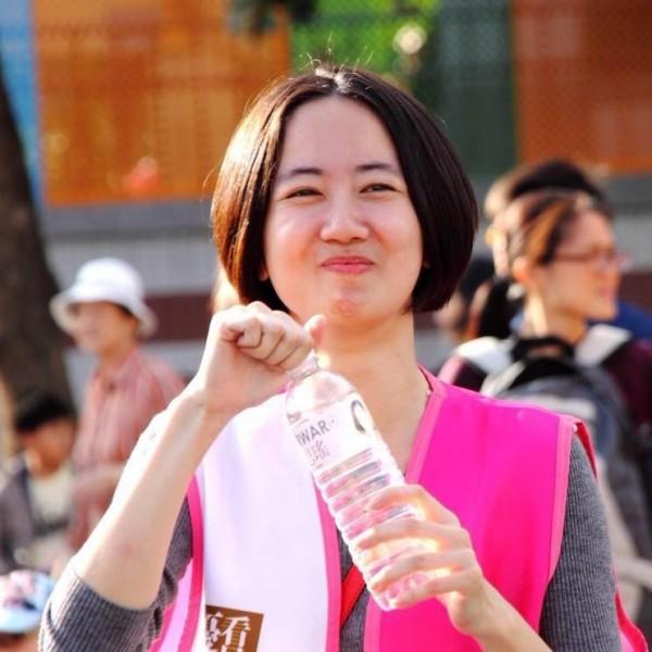 吳思瑤的助理戴瑋姍,和吳思瑤有「姊妹臉」。(資料照,戴瑋珊提供)
