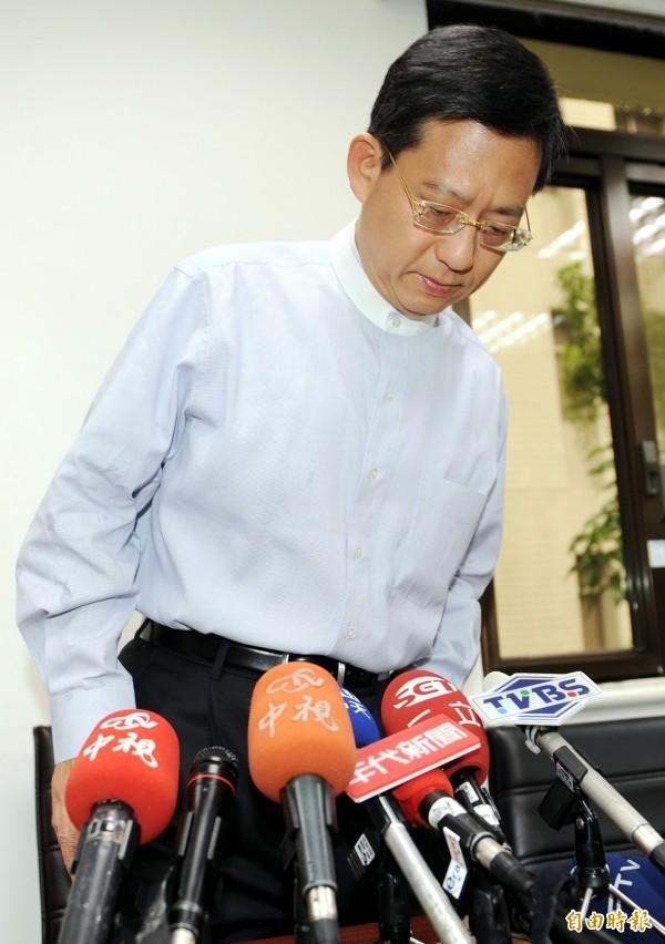 吳育昇在2009年遭爆和孫姓女子跑到摩鐵開房間,他在第一時間就坦承,「過程就是大家所想的那樣」。(資料照,記者張嘉明攝)