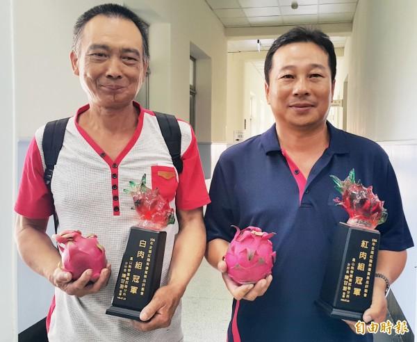 台東市農民吳振豪(右)奪得紅肉冠軍、花蓮玉里凌群國拿下白肉冠軍。(記者陳文嬋攝)