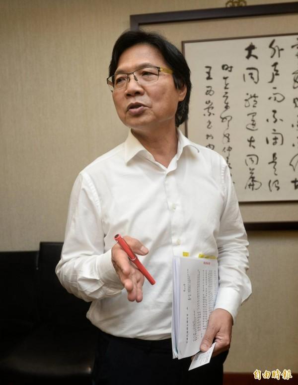 婦聯會與內政部長葉俊榮達共識,稱捐八成資產繳國庫。(記者林正堃攝)