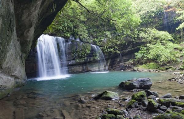 新北市平溪區望古瀑布。(李小飛提供)
