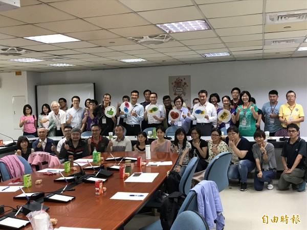 台南市與台中市跨縣市分享參與式預算執行經驗。(記者劉婉君攝)