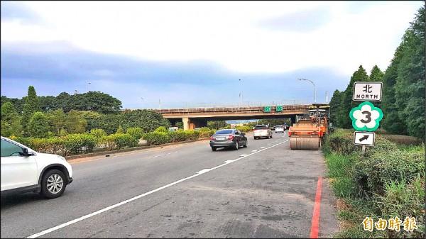台六十六線未有連結國道三號匝道,使得用路人必須借用平面道路才能上國道三號大溪交流道。(記者謝武雄攝)