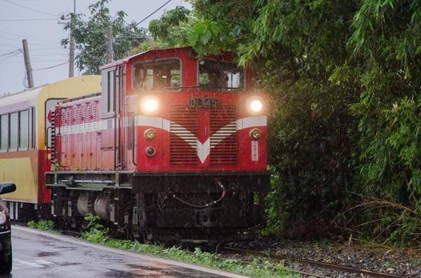 阿里山森林鐵路受颱風影響,明(29)日起一連3天,本線(嘉義至奮起湖)各級列車停駛。(圖由台鐵提供)
