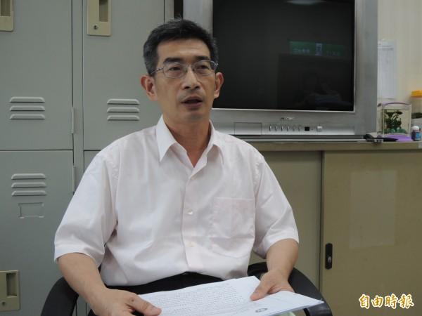 勞動部勞動條件及就業平等司副司長黃維琛表示,休息日同意出勤,工資、工時仍按照勞基法標準計算。(記者黃邦平攝)