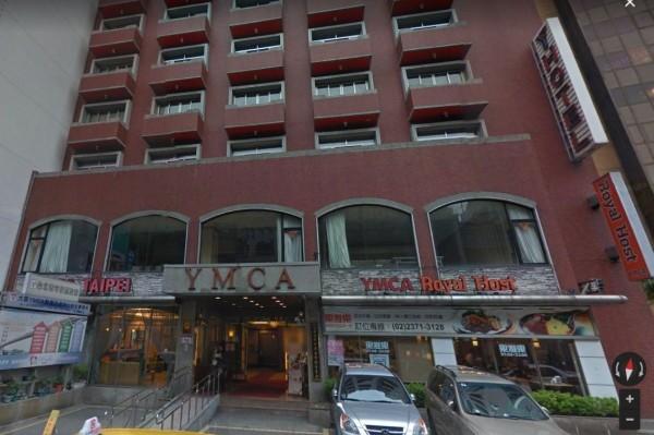 「Royal Host」樂雅樂家庭餐廳站前店。(記者劉慶侯翻攝自Google街景)