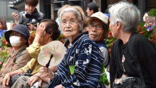 日本國人平均壽命創新高,全球排名僅次香港。(法新社)